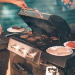 Med vsemi načini peke zunaj so najbolj pogosti plinski žari