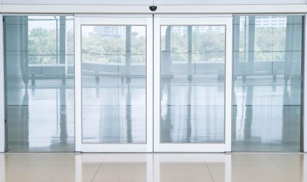 Napredna drsna vrata