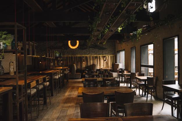 Barsko pohištvo in barski stoli